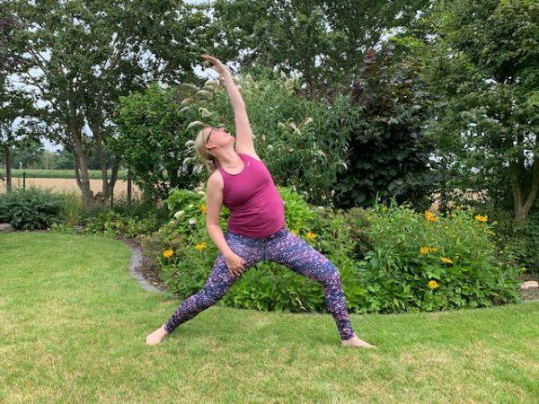 Faszien Yoga – Entspannte Schulter, entspanntes Becken mit der Faszienrolle -Outdoor im Ewilpa®️Mönchengladbach
